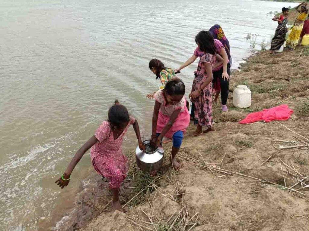 The lives of the tribals dependent on the Ken river are torture houses